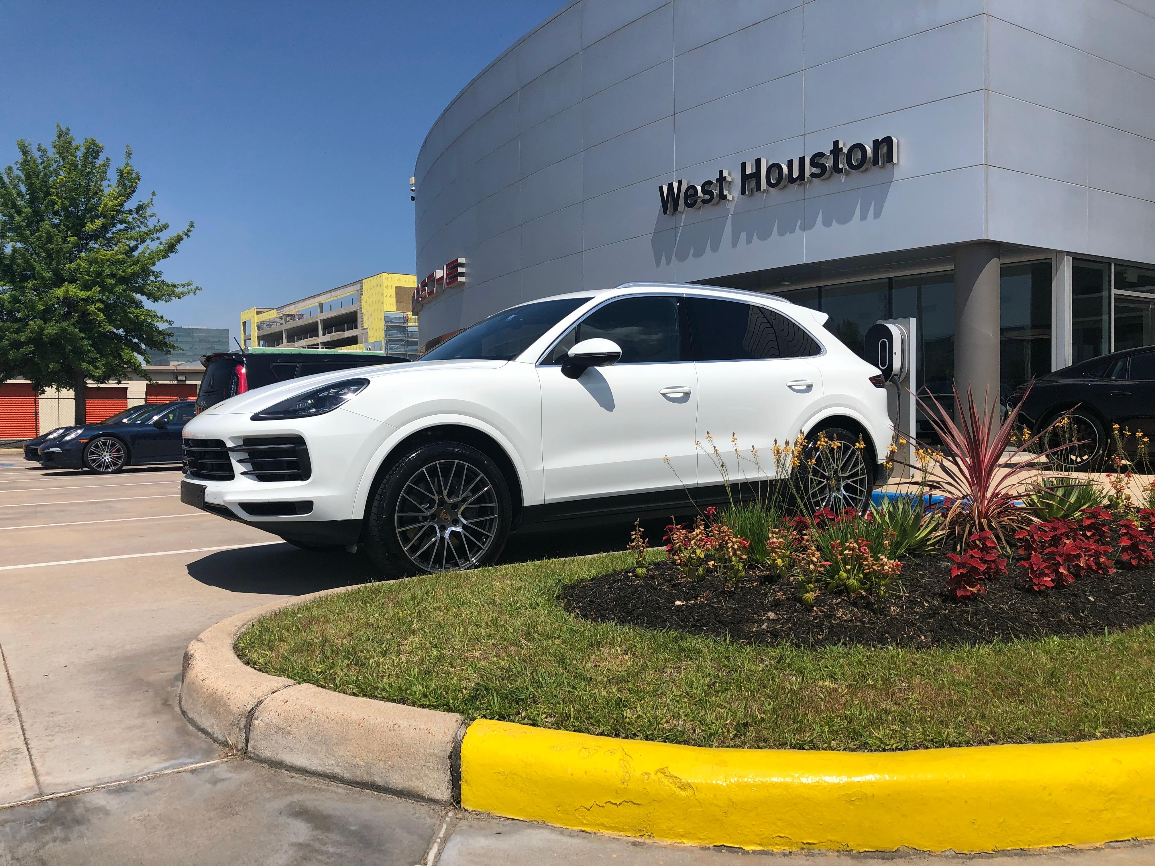 Porsche of west houston luxury sports car dealer img1595heiceg solutioingenieria Gallery