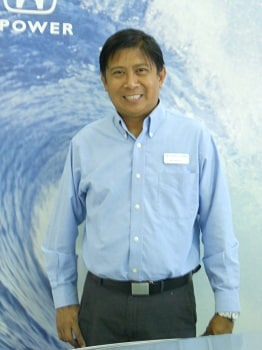 <b>Roy Martinez</b><br>Sales Consultant</br></br>