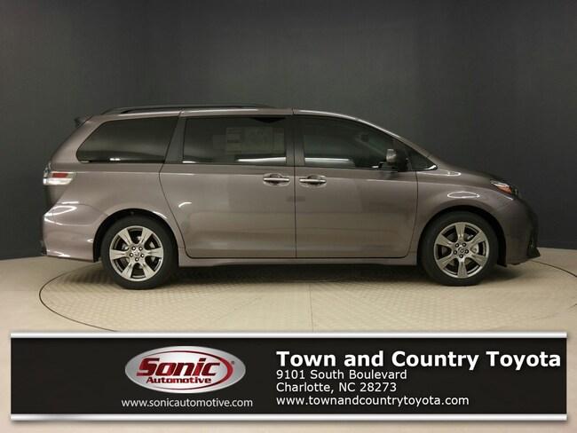 New 2019 Toyota Sienna SE Premium 8 Passenger Van for sale in Charlotte, NC