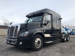 2016 FREIGHTLINER Cascadia XT Midroof sleeper