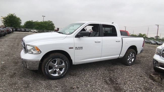new 2018 ram 1500 for sale at south chicago dodge chrysler jeep ram vin 1c6rr7lt7js329478. Black Bedroom Furniture Sets. Home Design Ideas