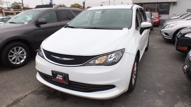Used 2017 Chrysler Pacifica Lx For Sale In Chicago Il Near Oak