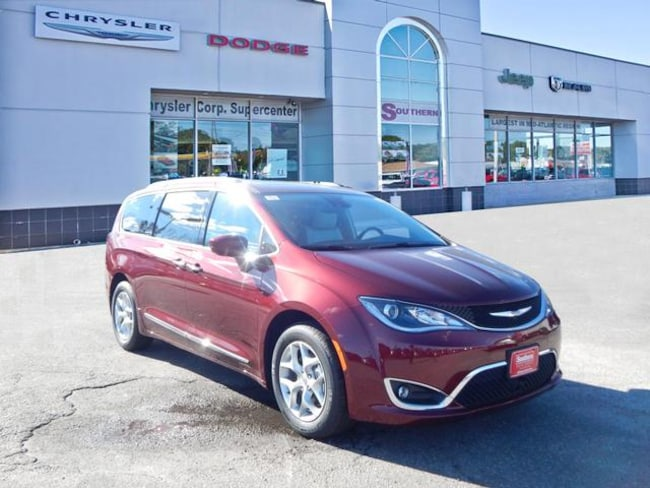 New 2019 Chrysler Pacifica TOURING L PLUS Passenger Van in Norfolk