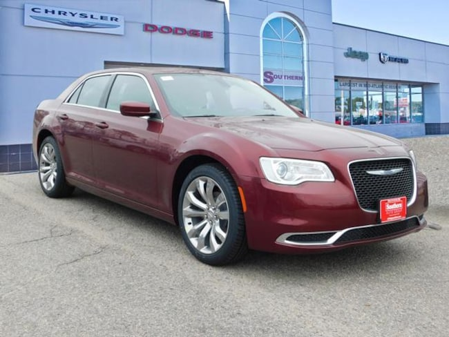 New 2019 Chrysler 300 TOURING L Sedan in Norfolk