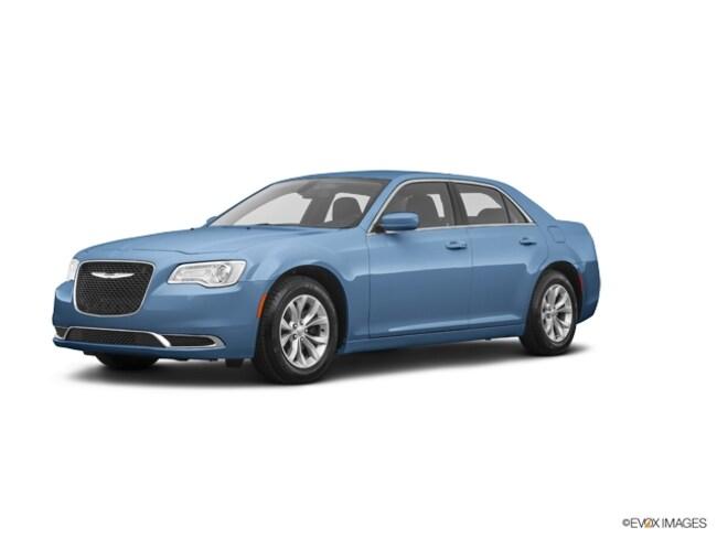 New 2019 Chrysler 300 TOURING L Sedan in Norfolk