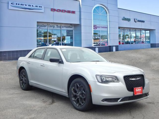 New 2019 Chrysler 300 TOURING AWD Sedan in Norfolk