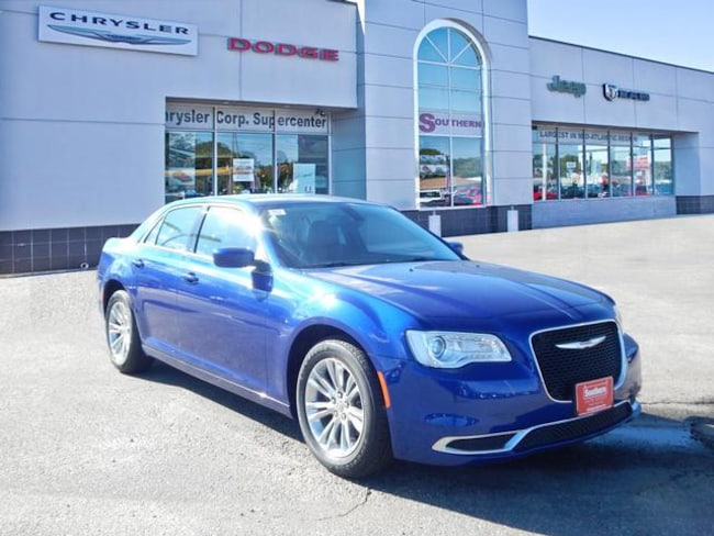 New 2019 Chrysler 300 Touring Sedan in Norfolk