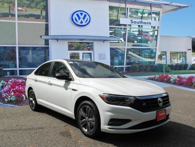 New 2019 Volkswagen Jetta 1.4T R-Line Sedan in Chesapeake