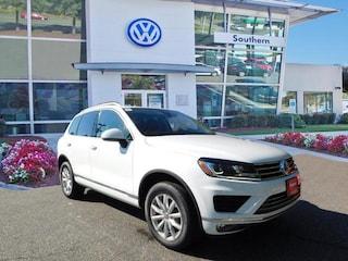 2017 Volkswagen Touareg V6 Sport SUV