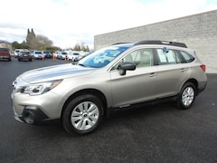 Used 2019 Subaru Outback 2.5i SUV 4S4BSABC2K3204571 for sale in Medford OR