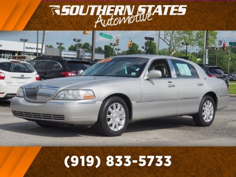 Used 2006 Lincoln Town Car Signature Limited Sedan 1LNHM82V06Y625941 in Raleigh