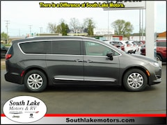 New 2018 Chrysler Pacifica TOURING L Passenger Van 2C4RC1BG6JR277211 Rice Lake, WI