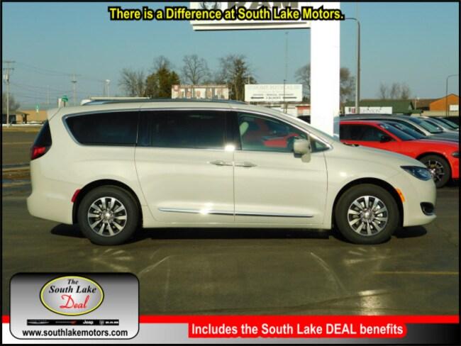 New 2019 Chrysler Pacifica TOURING L PLUS Passenger Van Rice Lake WI
