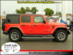 New 2018 Jeep Wrangler UNLIMITED SAHARA 4X4 Sport Utility 1C4HJXEG4JW249737 Rice Lake, WI