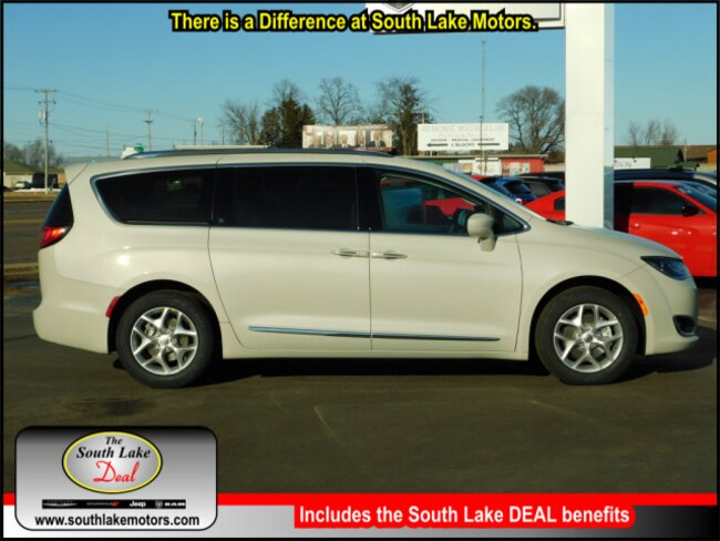 New 2019 Chrysler Pacifica TOURING L Passenger Van Rice Lake WI