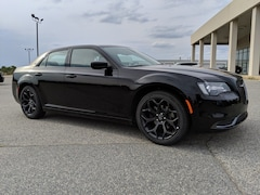 2019 Chrysler 300 TOURING Sedan 2C3CCAAG8KH612195 for sale in Cordele at Southland Chrysler