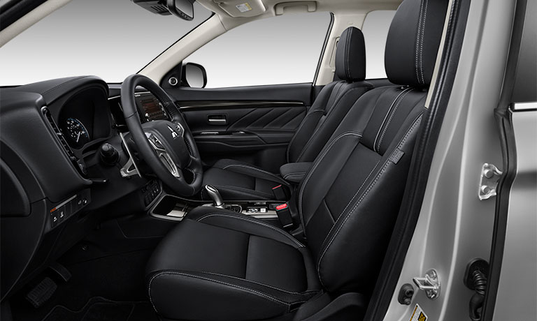 2018 Mitsubishi Outlander PHEV interior seating