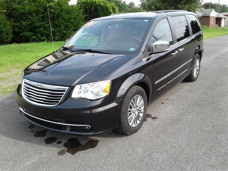 2013 Chrysler Town & Country Touring-L Passenger Van