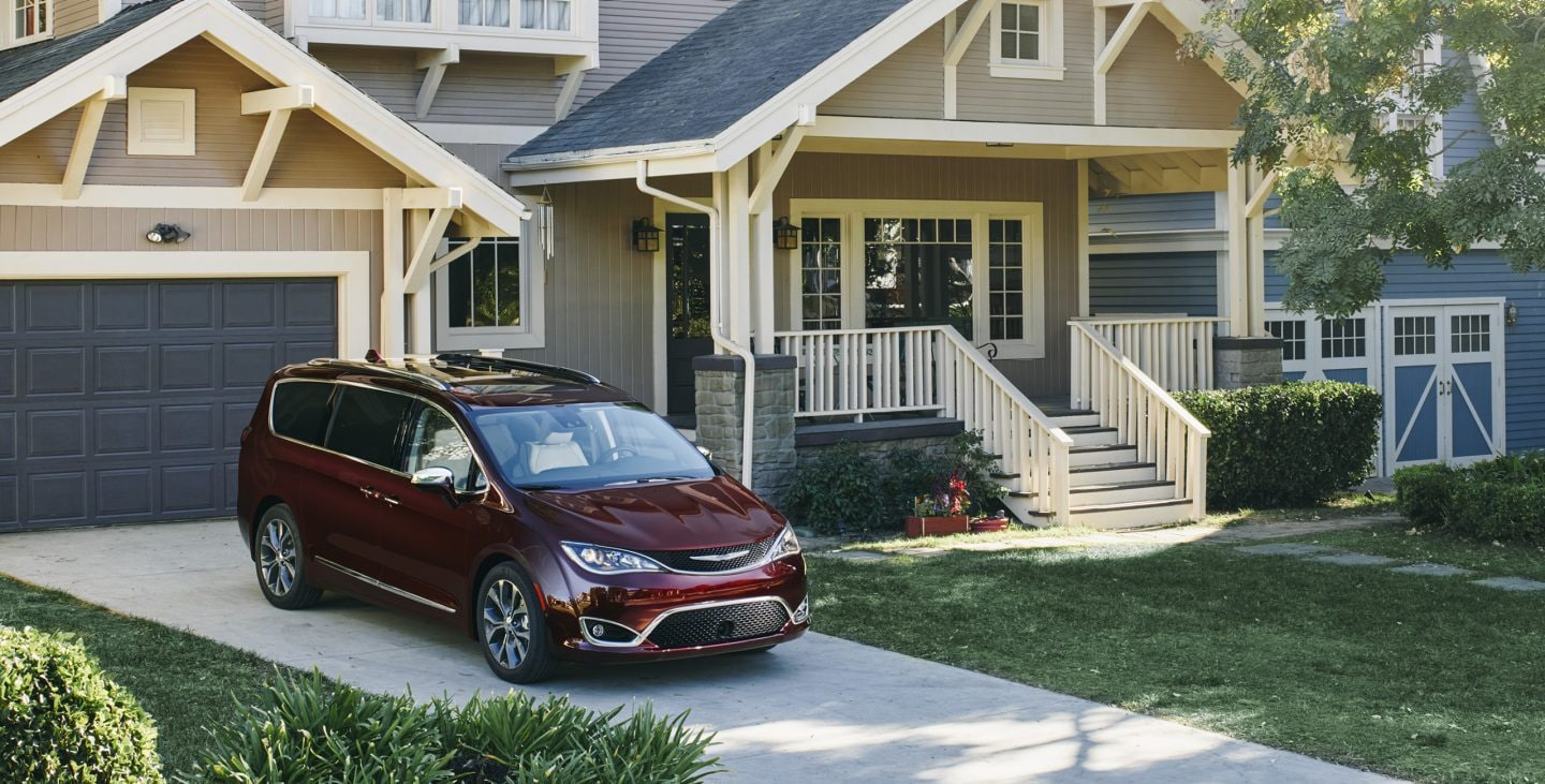 2017 Chrysler Pacifica Hybrid Exterior