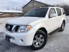 Used 2009 Nissan Pathfinder SE SUV for sale in Green Bay