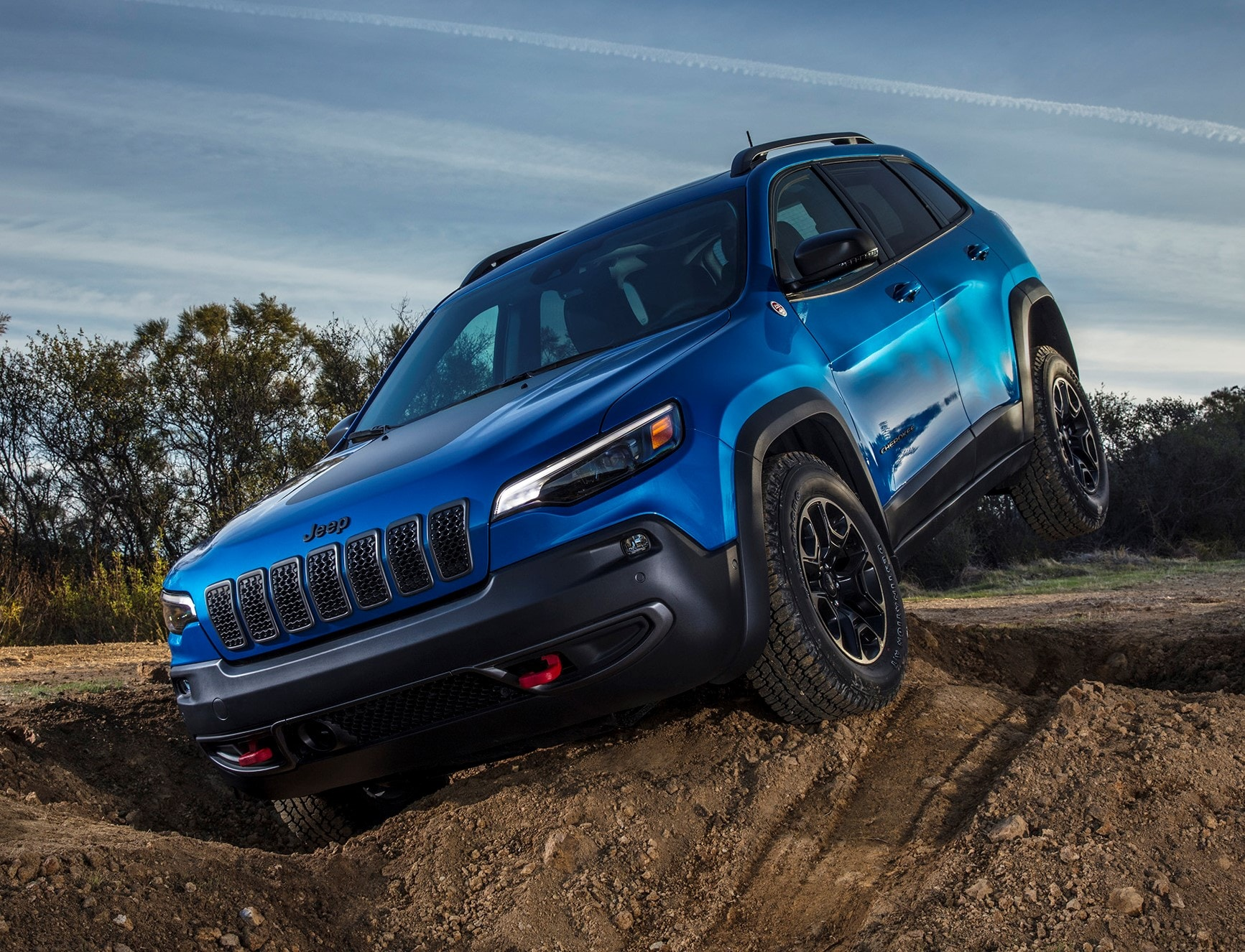 2021 Jeep Cherokee Trailhawk in Hyrdro Blue
