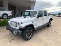 New 2020 Jeep Gladiator OVERLAND 4X4 Crew Cab 1C6HJTFG0LL149010 near Jefferson City, MO