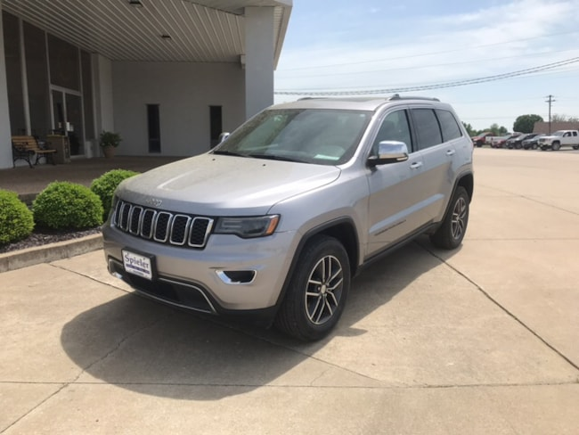 Used 2017 Jeep Grand Cherokee Limited 4x4 SUV for sale near columbia mo