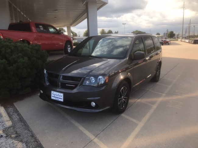 Used 2018 Dodge Grand Caravan GT Minivan for sale near columbia mo