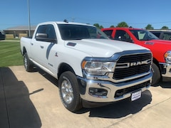 New 2019 Ram 2500 BIG HORN CREW CAB 4X4 6'4 BOX Crew Cab 3C6UR5DL9KG539859 near Jefferson City, MO