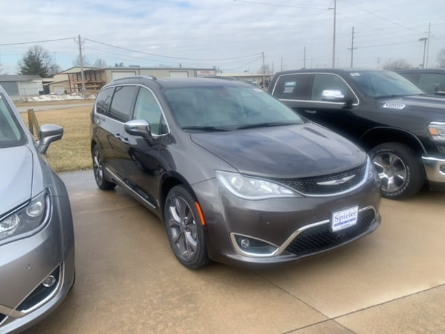 New 2019 Chrysler Pacifica LIMITED Passenger Van for sale near Jefferson City, MO