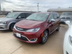 New 2019 Chrysler Pacifica LIMITED Passenger Van 2C4RC1GG5KR587540 near Jefferson City, MO