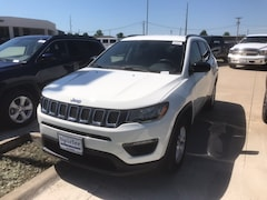 New 2018 Jeep Compass SPORT FWD Sport Utility 3C4NJCAB2JT438981 near Jefferson City, MO