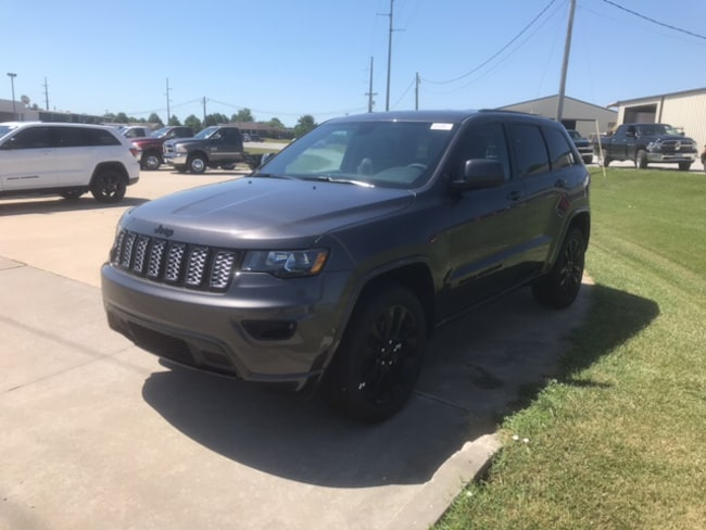 New 2018 Jeep Grand Cherokee ALTITUDE 4X4 Sport Utility for sale near Jefferson City, MO