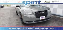 2019 Chrysler 300 TOURING Sedan