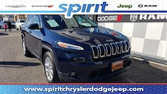 Certified Pre-Owned 2016 Jeep Cherokee Latitude FWD SUV in Swedesboro New Jersey