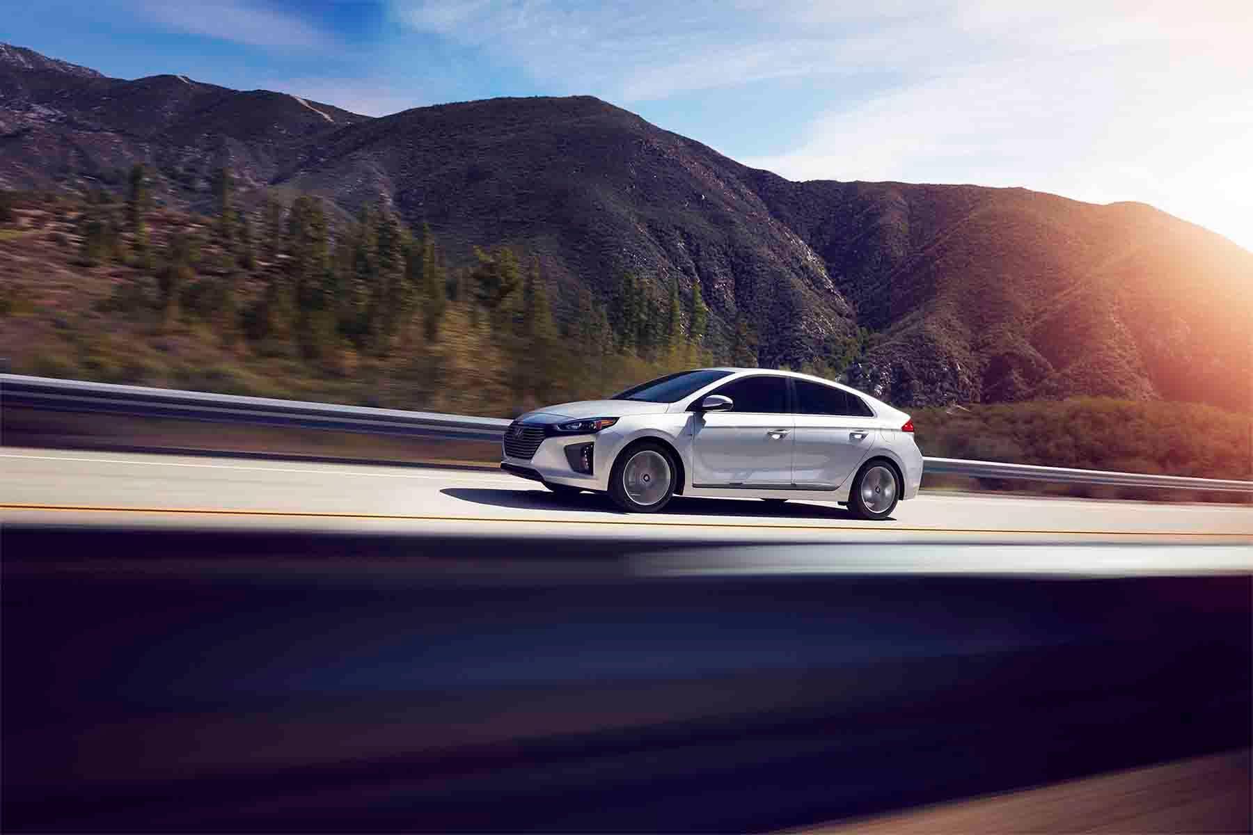 Prius vs Ioniq | Spokane Hyundai