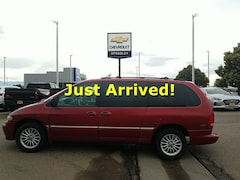 Buy a 2000 Chrysler Town & Country for sale in Pueblo CO