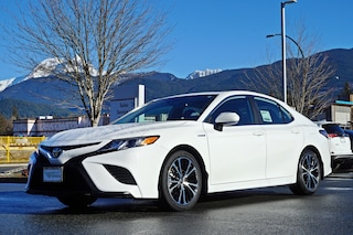 2019 Toyota Camry Hybrid SE Upgrade Package Sedan