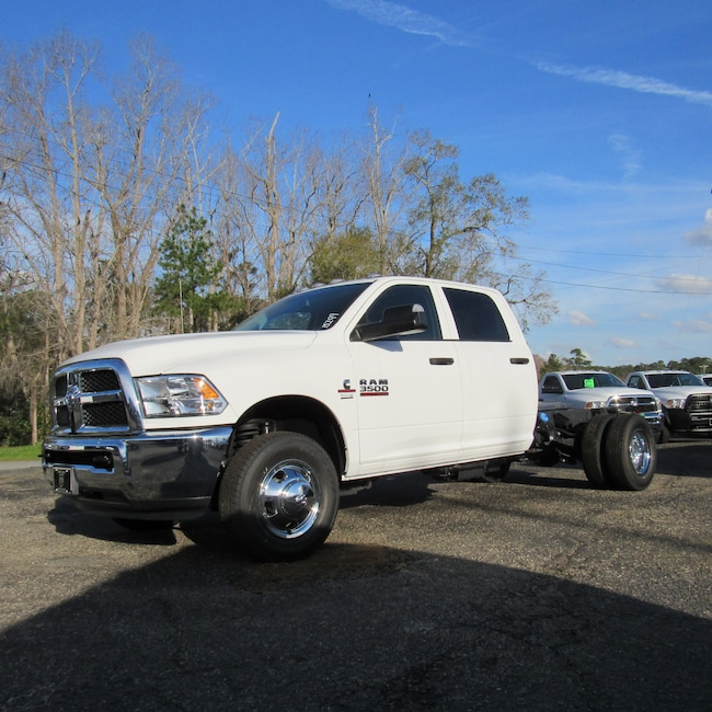 New 2018 Ram 3500 TRADESMAN CREW CAB CHASSIS 4X2 172.4 WB Crew Cab for sale in Cairo, GA at Stallings Motors