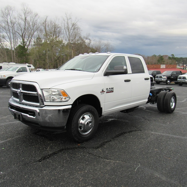 New 2018 Ram 3500 TRADESMAN CREW CAB CHASSIS 4X4 172.4 WB Crew Cab for sale in Cairo, GA at Stallings Motors