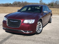 2017 Chrysler 300 300C Platinum