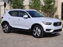 New 2020 Volvo XC40 T5 Momentum SUV YV4162UK2L2218604 in Houston, TX