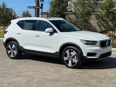 New 2020 Volvo XC40 T5 Momentum SUV YV4162UK9L2285507 in Houston, TX