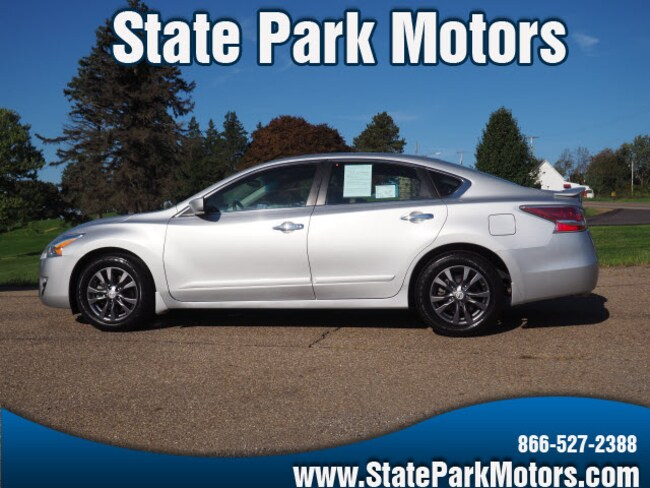 Used 2015 Nissan Altima 2.5 S SE Sedan in Wintersville, OH