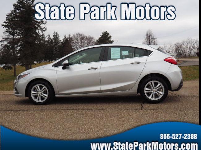 Used 2018 Chevrolet Cruze LT Auto Hatchback in Wintersville, OH