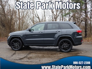 Used cars, trucks, and SUVs 2017 Jeep Grand Cherokee 4X4 Altitude SUV 727478 for sale near you in Wintersville, OH