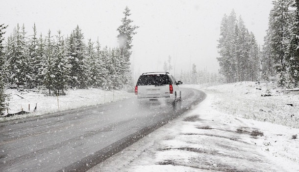 What to Put in a Winter Car Emergency Kit Near Lima