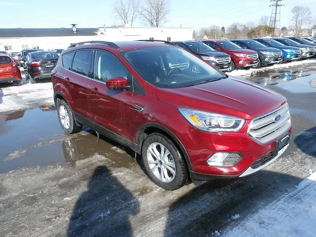 New 2019 Ford Escape SEL SUV Yorkville