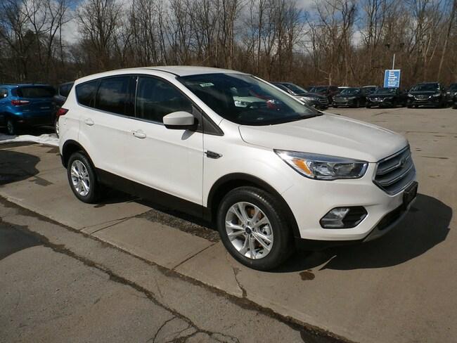 New 2019 Ford Escape SE SUV Yorkville