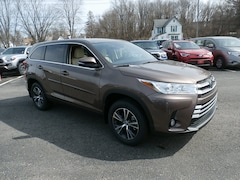 New 2019 Toyota Highlander for sale near you in Johnstown, NY